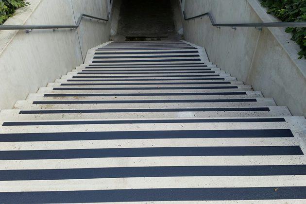 Antislip voor trappen nabij tunnels en stations