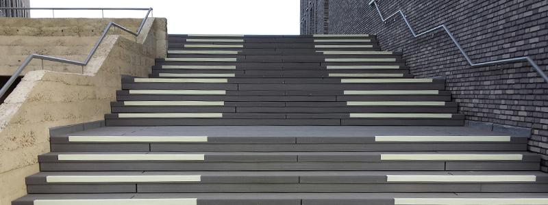 Antislip trap voor zakelijke omgevingen